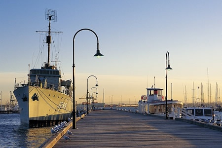 Williamstown and Melbourne Sightseeing Cruise