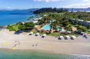 Daydream Island Resort and Spa Day Cruise -