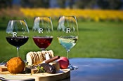 Yarra Valley Gourmet Day Tour - Touring