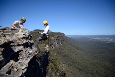 Spectacular Half Day Abseiling Adventure in the Blue Mountains