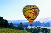 Overnight Stay and Hot Air Balloon Flight in the Yarra Valley -