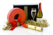 Christmas Wreath Box and Sparkling Brut Hamper -