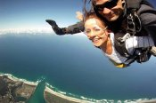 14,000ft Tandem Skydive over Byron Bay -