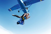14,000ft Tandem Skydive over Mission Beach -