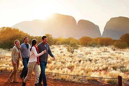 Kata Tjuta Sunrise and Valley of the Winds Half Day Tour -
