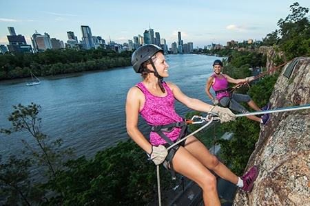 Summer Sunset Abseiling at Kangaroo Point in Brisbane - Kids Outdoors