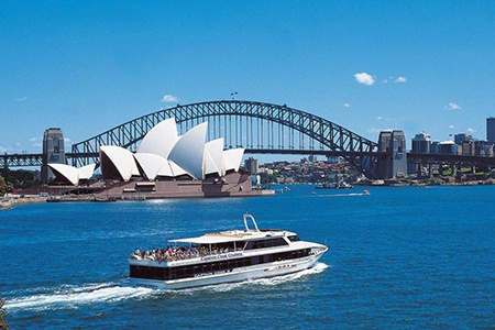 Sydney City Morning Tour with Captain Cook Luncheon Cruise -