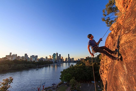Winter Sunset Abseiling at Kangaroo Point in Brisbane -