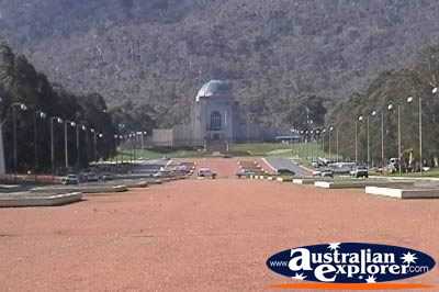 Anzac Parade in Canberra . . . VIEW ALL ANZAC PARADE PHOTOGRAPHS
