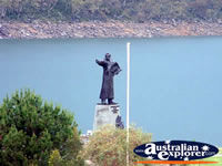 Jindabyne Lake Statue . . . CLICK TO ENLARGE