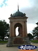Bathurst War Memorial . . . CLICK TO ENLARGE