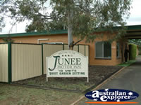 Junee Motor Inn Entrance . . . CLICK TO ENLARGE