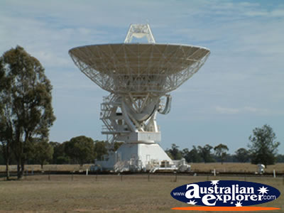 Large Telescope Dish in Narrabri . . . CLICK TO VIEW ALL NARRABRI POSTCARDS