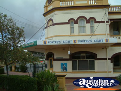 Club House Hotel Narrabri . . . CLICK TO VIEW ALL NARRABRI POSTCARDS