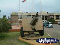 Gun Outside RSL Narrabri . . . CLICK TO ENLARGE