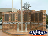 Narrabri War Memorial . . . CLICK TO ENLARGE