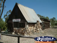 Lightning Ridge House of Bottles . . . CLICK TO ENLARGE
