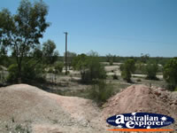 Walk in Mine Outside in Lightning Ridge . . . CLICK TO ENLARGE