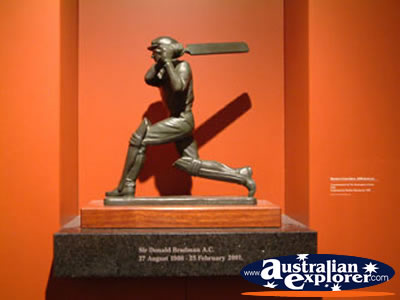Bowral Bradman Museum Don Bradman Statue . . . CLICK TO VIEW ALL BOWRAL POSTCARDS