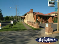 Poets Recall Motel in Gundagai . . . CLICK TO ENLARGE