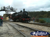 Lithgow, Train on Zig Zag Railway . . . CLICK TO ENLARGE
