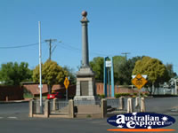 Narromine Memorial . . . CLICK TO ENLARGE
