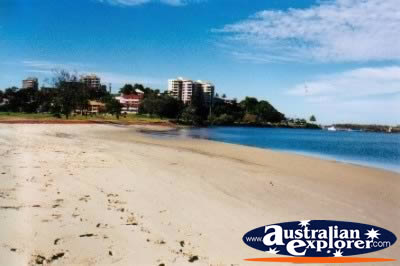 Tweed Heads Beach . . . CLICK TO VIEW ALL TWEED HEADS POSTCARDS