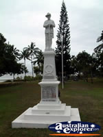Port Douglas War Memorial . . . CLICK TO ENLARGE