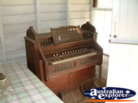Capella Pioneer Village Piano . . . CLICK TO ENLARGE