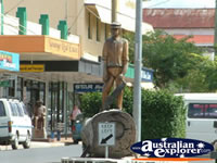 Nanango Statue and Shops . . . CLICK TO ENLARGE