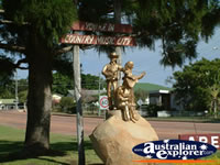 Statue in Charters Towers . . . CLICK TO ENLARGE