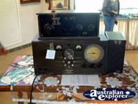Winton Waltzing Matilda Centre Vintage Transmitter Radio . . . CLICK TO ENLARGE