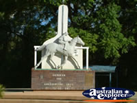 Goondiwindi Statue of Gunsynd . . . CLICK TO ENLARGE