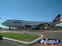 Longreach Qantas . . . CLICK TO ENLARGE