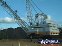 Dragline at Dysart Norwich Park Mine . . . CLICK TO ENLARGE