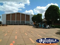 Kingaroy Outside Town Hall . . . CLICK TO ENLARGE