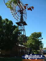 Windmill in Barcaldine . . . CLICK TO ENLARGE