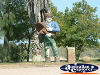 Kynuna Swagman Statue . . . CLICK TO ENLARGE