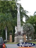 Maryborough War Memorial . . . CLICK TO ENLARGE