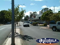 Wondai Street and Cars . . . CLICK TO ENLARGE