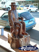 Nanango Statue on Footpath . . . CLICK TO ENLARGE