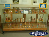 Surat Cobb & Co Changing Station Figurine Display . . . CLICK TO ENLARGE