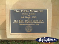 St George Pilots Memorial Plaque . . . CLICK TO ENLARGE