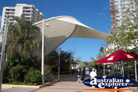 Shopping in Broadbeach . . . CLICK TO ENLARGE