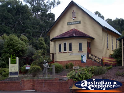 Eumundi Museum . . . CLICK TO VIEW ALL EUMUNDI POSTCARDS