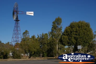 Windmill in Jensen Place . . . VIEW ALL SPRINGSURE (JENSEN PLACE) PHOTOGRAPHS