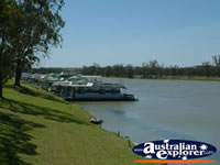 Waikerie Houseboats on the River . . . CLICK TO ENLARGE