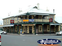 Strathalbyn Commercial Hotel . . . CLICK TO ENLARGE