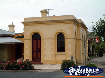 Penola Old Building . . . VIEW ALL PENOLA PHOTOGRAPHS