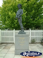 Penola Statue . . . CLICK TO ENLARGE